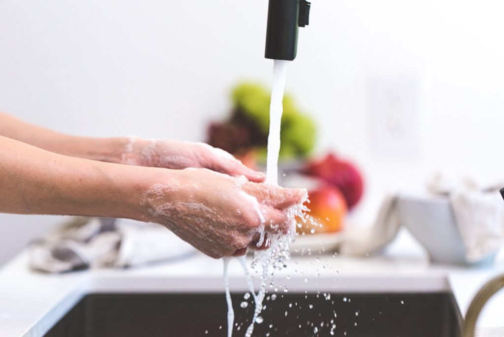 How To Consume Less Water When Washing Dishes Rainwater